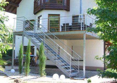 Balkon mit Treppenabgang
