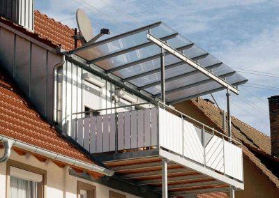 Vorgestellten Balkon mit Glasdach